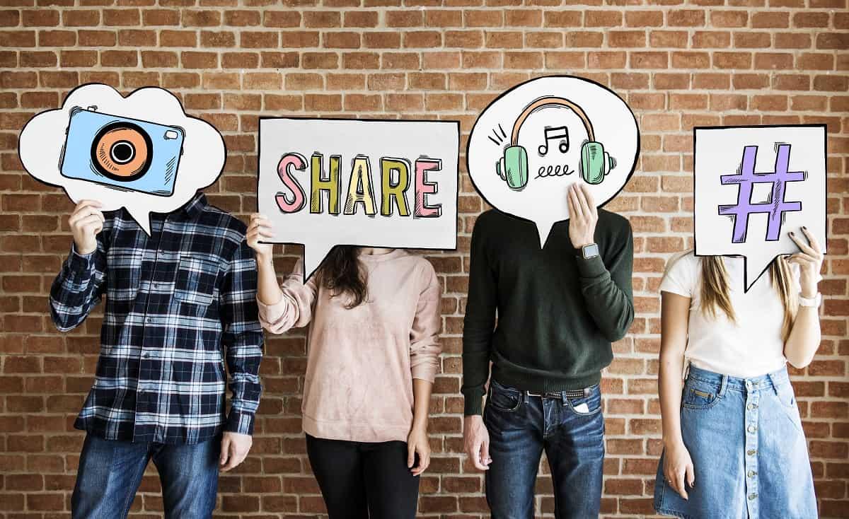 Does Music Marketing have LIVING LIVES on Social Media